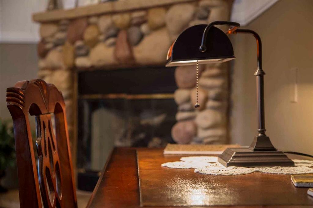 imagine-desk-lamp-web.1024x0